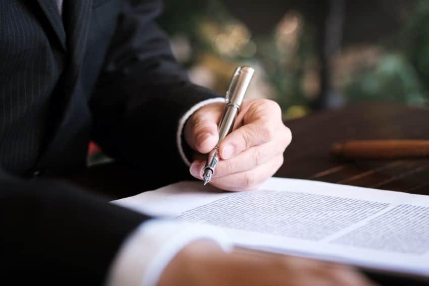 los procedimientos para abrir una cuenta corriente profesional