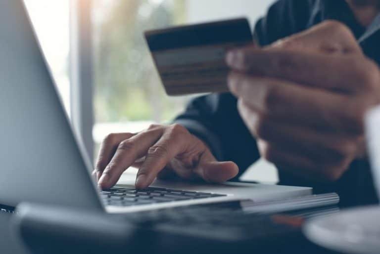 Pagar online con su tarjeta de crédito