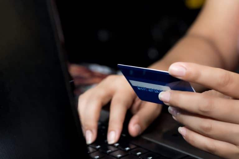 Pagar online con una tarjet de crédito